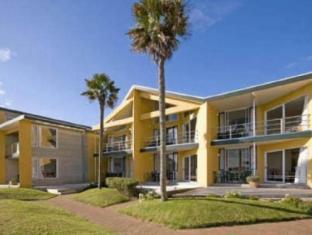 巴克兰兹比奇海滨汽车旅馆