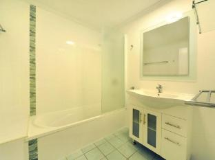 Airlie Beach Motor Lodge Whitsunday Islands - Two Bedroom Townhouse bathroom