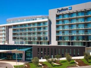/es-es/radisson-blu-resort-split/hotel/split-hr.html?asq=vrkGgIUsL%2bbahMd1T3QaFc8vtOD6pz9C2Mlrix6aGww%3d