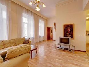 /stn-apartments-by-the-hermitage/hotel/saint-petersburg-ru.html?asq=jGXBHFvRg5Z51Emf%2fbXG4w%3d%3d
