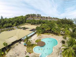 Damai Beach Resort Kuching - Swimmingpool