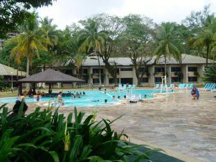 Damai Beach Resort Kuching - Basen