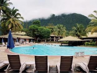 Damai Beach Resort Kuching - Uszoda