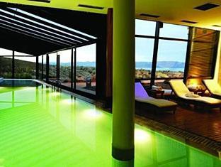/el-gr/design-suites-calafate-hotel/hotel/el-calafate-ar.html?asq=5VS4rPxIcpCoBEKGzfKvtE3U12NCtIguGg1udxEzJ7ngyADGXTGWPy1YuFom9YcJuF5cDhAsNEyrQ7kk8M41IJwRwxc6mmrXcYNM8lsQlbU%3d