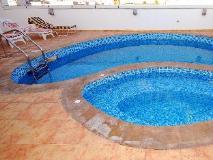 Ramee Royal Hotel Apartments: swimming pool