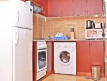 Ramee Royal Hotel Apartments: kitchen