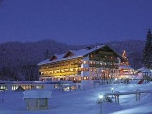 /aktiv-familienresort-tiroler-zugspitze/hotel/ehrwald-at.html?asq=jGXBHFvRg5Z51Emf%2fbXG4w%3d%3d