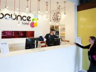 Bounce Sydney Hostel Sydney - Reception