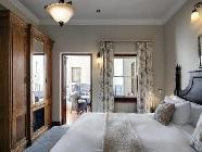 Chambre simple classique avec cour