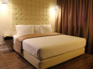 Rothman Hotel Manila - Executive King Room - Newly Renovated