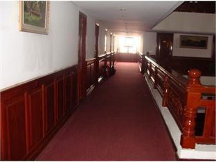 Royal Palace Hotel Phnom Penh - Corridor