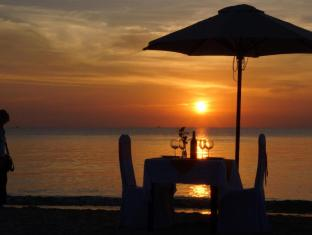 Thien Thanh Resort Phu Quoc Island - Sun set on the beach