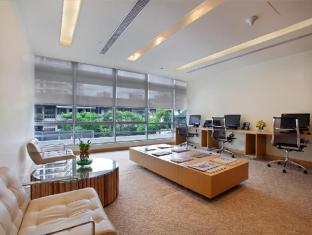 PARKROYAL Serviced Suites Kuala Lumpur Kuala Lumpur - Business Center