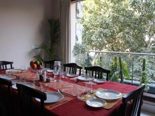 Saket Bed and Breakfast New Delhi and NCR - Dining Area