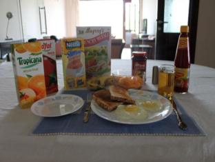 Saket Bed and Breakfast New Delhi and NCR - Buffet