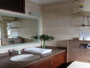 Saket Bed and Breakfast New Delhi and NCR - Bathroom
