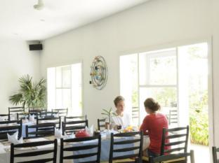 Frangipani Villa Hotel Siem Reap - Pool side restaurant