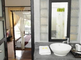 Frangipani Villa Hotel Siem Reap - Bathroom