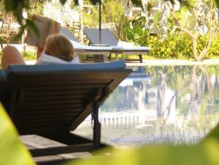 Frangipani Villa Hotel Siem Reap - Pool View