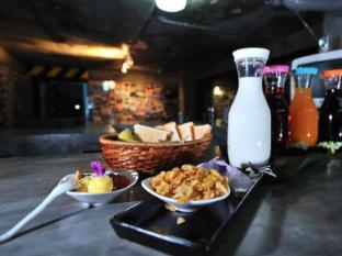 The Chilli Bangkok Hotel Bangkok - Food and Beverages