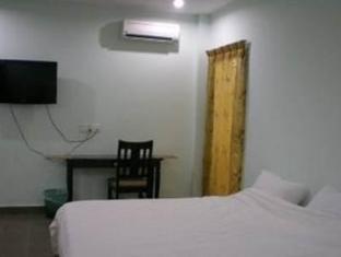 Cozzi Hotel Port Dickson - Double Room