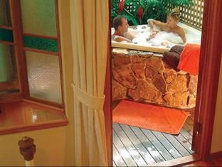 Airlie Waterfront Bed and Breakfast Whitsunday Islands - Bathroom