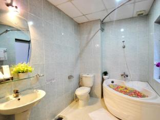 Blessing 2 Saigon Hotel - Hong Thien Loc Group Ho Chi Minh City - Bathroom
