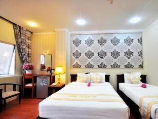 Blessing 2 Saigon Hotel - Hong Thien Loc Group Ho Chi Minh City - Deluxe Triple City View