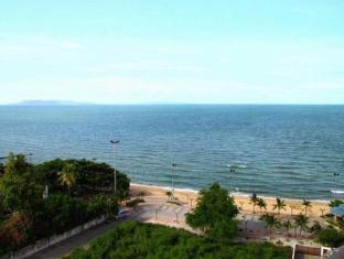 Royal Beach View Suites Pattaya - View