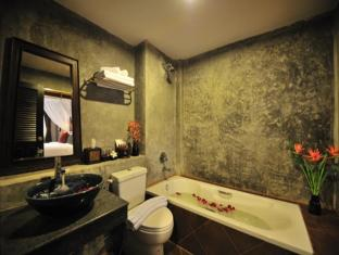 Siralanna Phuket Hotel Phūketa - Vannas istaba