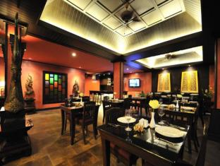 Siralanna Phuket Hotel Puketas - Restoranas