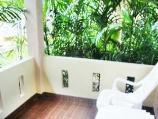 Villa Wanida Garden Resort Pattaya - Triple Room - Back Balcony