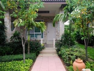 Villa Wanida Garden Resort Pattaya - Superior Room - Entrance