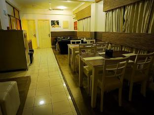 Surf View Hotel Male City and Airport - Coffee Shop/Cafe