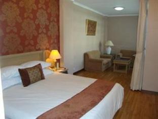 Riyadi Palace Hotel Solo (Surakarta) - Guest Room