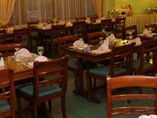 Riyadi Palace Hotel Solo (Surakarta) - Restaurant