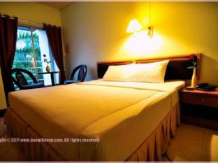 布薩文酒店