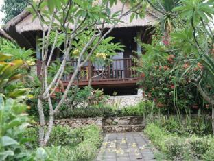 Nanuks Bungalows Bali - Garden