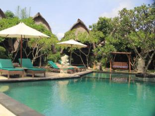 Nanuks Bungalows Bali - Swimming Pool