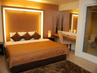 The Ritz Hotel at Garden Oases Davao City - غرفة الضيوف