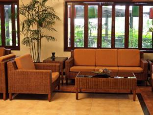 Hotel Tropika Davao Stadt - Empfangshalle