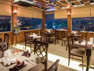 May De Ville Old Quarter Hotel Hanoi - Restaurant with panoramic city view