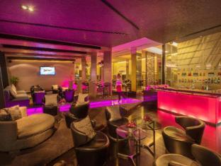 Radisson Suites Bangkok Sukhumvit Bangkok - Asqu Bar