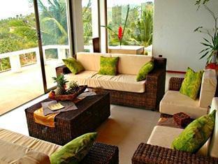 Amihan Villa Puerto Galera - Living Room
