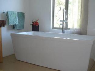 Amihan Villa Puerto Galera - Bathroom