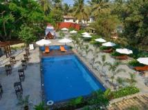 Sinq Beach Resort: swimming pool