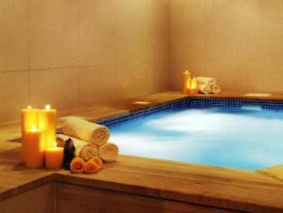 Park Regis Kris Kin Hotel Dubai - Hot tub