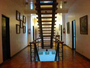 /potter-s-ridge-tagaytay-hotel/hotel/tagaytay-ph.html?asq=vrkGgIUsL%2bbahMd1T3QaFc8vtOD6pz9C2Mlrix6aGww%3d