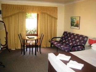 Parkway Motel Queanbeyan - Spa Room