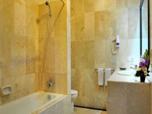 Puri Yuma Hotel Bali - Bathroom